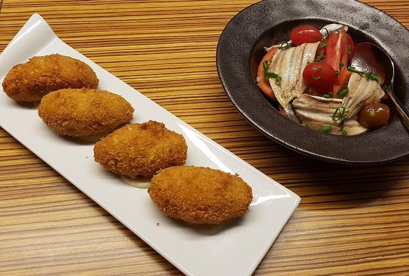 Tapas eten bij AQ restaurant in Tarragona